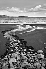 Staffin Bay, Isle of Skye (ShootingMrSmith) Tags: sea sky blackandwhite cloud seascape skye water landscape coast scotland isleofskye innerhebrides filter hebrides staffin leefilter staffinbay monoconversion silverefex