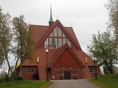 Kiruna: kerk - church (naturum) Tags: autumn fall church geotagged sweden lappland herfst september lapland sverige kiruna kerk hst 2012 kyrka zweden norrbotten sapmi spmi geo:lat=6785235847 geo:lon=2023145199