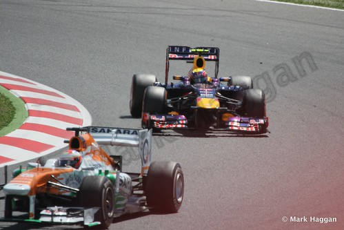 Paul Di Resta and Mark Webber in the 2013 Spanish Grand Prix
