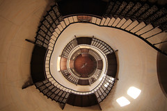 Jagdschlo Granitz (michael_hamburg69) Tags: castle stairs germany spiral island deutschland stair steps stairwell stairway insel treppe escalera scala rgen escalier binz rampa mecklenburgvorpommern treppenhaus 1845 escala wendeltreppe granitz helical karlfriedrichschinkel schlos jagdschlos guseisen  eisengus granitzhuntinglodge 154stufen freitragendewendeltreppe franzantonegells