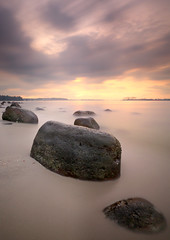 Day's End (~ @lvin ~) Tags: longexposure sunset seascape beach singapore rocks punggol ef1740mmf4l nd110 leefilters 06gnd 5dmkiii