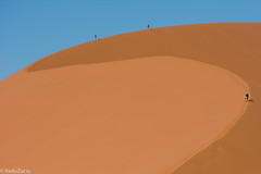 People on Dunes -2- (Cold Shutterhand) Tags: sesriem namibia sossusvlei deadvlei sossusdunelodge