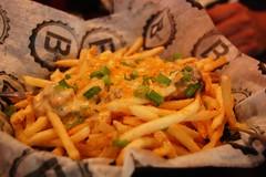 sausage fries (stu_spivack) Tags: ohio food unitedstates gravy fries beachwood eyefi bspot