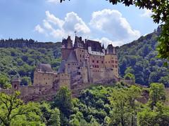Burg Eltz (mama knipst!) Tags: castle germany deutschland burgeltz burg rheinlandpfalz