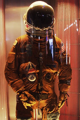 Young's Escape Suit (Chris O'Brien - Ellipsis-Imagery) Tags: yellow museum canon texas availablelight space houston astronaut nasa spacesuit spacecenter iso1600 johnsonspacecenter f450 120sec canoneos40d 2800mm chrisopics