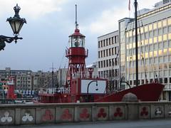 Level11 6049B (JespervdBerg) Tags: city holland architecture rotterdam nederland thenetherlands ssc zuidholland hhf lighthouseboat skyscrapercity cityphotography hollandhoogbouwforum vuurtorenboot hollandhoogbouwforums vessel11