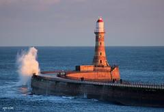 North Pier, Roker. (Dave Snowdon (Wipeout Dave)) Tags: lighthouse coast roker seaburn whitburn wearside northeastengland wipeoutdave canoneos1100d davidsnowdonphotography djs2015