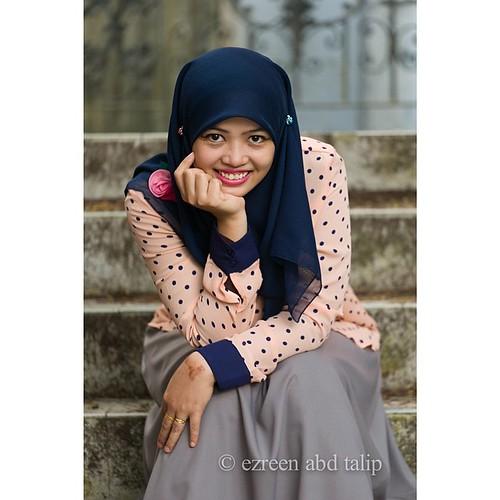 Image result for wanita melayu gembira