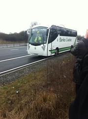 JIL 7657 (welsh coach) Tags: from travel man bus by james is with side failure andrew here llanelli atlantis owned arrival jil awaiting seen stranded m4 davies coaches gearbox ayat 7657 aj12