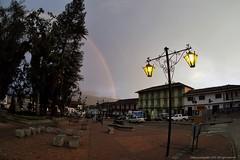 Arco iris (Ivan Mauricio Agudelo Velasquez) Tags: plaza parque building lluvia colombia edificio invierno farol antioquia municipio balcones