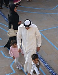 Family Fun At The Dubai Mall (pam's pics-) Tags: family people woman man kids mall shopping children dubai muslim islam uae unitedarabemirates traditionaldress burkha chador pammorris pamspics dubaimall sonya6000