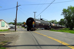 Tunkhannock Ave RR crossing (Hank Rogers) Tags: pa pennsylvania westpittston tunkhannockave crossing railroadcrossing rr train tankers railroad procor crew people ls luzernesusquehanna shortline industry industrial freight