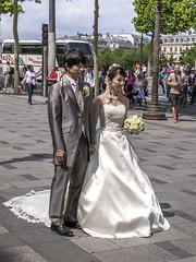 Boda en Champs Elyses, Pars (Edgardo W. Olivera) Tags: paris france lumix bride europa europe panasonic francia champselyses novia gh3 microfourthirds microcuatrotercios edgardoolivera