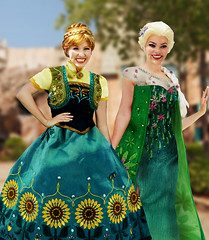 Frozen Fever-Disney Parks (They Call Me Obsessed) Tags: new anna smile face frozen store epcot doll dolls princess character magic royal parks kingdom disney queen disneyworld sunflower limited edition meet elsa princesses greet fever 2016 disneyword