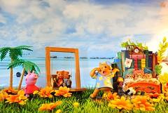 La primavera degli orsi (_Gi_) Tags: bear sea fun toys fantasy clours