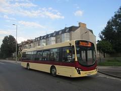 East Yorkshire 370 YX10EYV Anlaby Rd, Hull on 350 (1280x960) (dearingbuspix) Tags: 370 eastyorkshire eyms humberfastcat yx10eyv