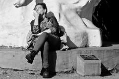 Honing (Wal CanonEOS) Tags: park street people blackandwhite bw woman streets byn blancoynegro blanco argentina girl lady canon eos monocromo calle mujer buenosaires day sitting y candid femme negro dia nails monocromatic callejeando calles bsas closedeyes airelibre honing sentada femenina caba listeningtomusic monocromatico capitalfederal villacrespo ciudaddebuenosaires ojoscerrados parquecentenario candidstreet alairelibre escuchandomusica argentinabsas eatingnails afilando ciudadautonoma streetsbw afilandouas rebelt3 canoneosrebelt3 comiendouas pregosalimentares
