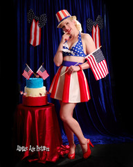 _MG_2352 (Atomic Age Pictures) Tags: stockings cake highheels legs cheesecake retro heels 4thofjuly independenceday pinup sexylegs shortskirt amandalee retropinup heelsstockings jitterbugdoll atomicagepictures