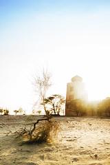 Emirati Desert (Andr Moecke) Tags: sunset desert abudhabi fortaleza fortress emirati