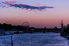 Beautiful sunset cruise (hypoxia.ubiquitin) Tags: seine paris cruiseboat sunset beauitfulbridges