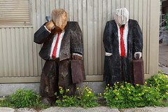 Business men (schoeband) Tags: wood sculpture schweiz switzerland suisse zurich zrich svizzera businessmen kreis5