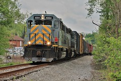 AVR-3, Christy Road, Eighty Four, Pa. (W&LE45) Tags: pa pike division wp avr gp402 gp40 eightyfour avr3 alleghenyvalleyrailroad gp403 alleghneyvalleyrailroad