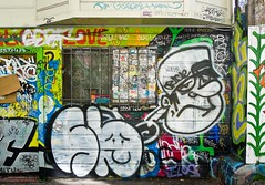 (gordon gekkoh) Tags: sanfrancisco lunch graffiti oracle telos sickboy zack sb serf r10 mayoe