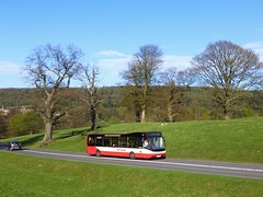 TM Travel 1195 nr Chatsworth (simon835) Tags: versa matlock 1195 chatsworthhouse optare tmtravel yn57ehu