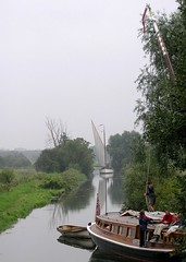 15 - 2004 -  River Waveney at Geldeston. (RTW501) Tags: norfolkbroads geldeston wherry riverwaveney wherryhathor wherryolive