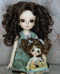 My girls are ready for summer! (Ayla160 >^..^<) Tags: brown white yellow cat ball kitten doll dress heart lulu rebecca little small kitty curls bee curly wig tiny bubble belle livia bjd beatrice basic monique livvy jointed lati yosd latiyellow dollndoll honeythorpe