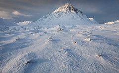 Sunshine & Showers (Billy Currie) Tags: winter cliff mountain snow ice scotland highlands hill deep freezing peak ridge mount glencoe snowing ng moor snowfall blizzard iconic buachaille windblown drifting drift blown etive munro rannoch mr