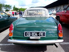 PEUGEOT 404 Cabriolet Injection vert (arrire) (xavnco2) Tags: france green cars french spider automobile antique rear convertible vert exposition normandie autos 404 common bourse injection peugeot classiccars cabriolet bbb pininfarina arrire seinemaritime 2013 amicale neufchatelenbray