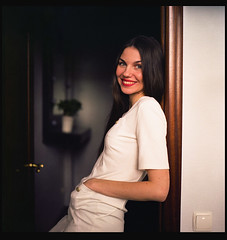 (Osborne Cox) Tags: portrait woman color 120 6x6 home female rolleiflex mediumformat flickr naturallight fujifilm 28 planar 400h 28f