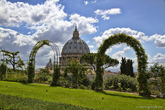 "Giardini Vaticani • <a style=""font-size:0.8em;"" href=""http://www.flickr.com/photos/89679026@N00/8838473072/"" target=""_blank"">View on Flickr</a>"