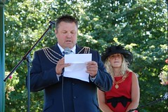 """dep-lord-mayor-plymouth-pride-2013-2<br /><span style=""""font-size:0.8em;"""">Deputy Lord Mayor and Deputy Lady Mayoress opening Pride in the Park 2013.</span> • <a style=""""font-size:0.8em;"""" href=""""https://www.flickr.com/photos/66700933@N06/9374201844/"""" target=""""_blank"""">View on Flickr</a>"""
