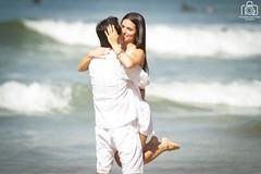 Love in Pre Wedding (Ricardo Perrella) Tags: wedding love beach canon ensaio happy kiss couple waves pre 7d f56 guaruj hapiness fotogrfico 400mm