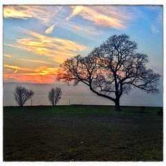 Croton Point Sunset (Lawrence Lazare) Tags: sunset sky ny newyork water river phone croton hudson westchester hudsonvalley crotononhudson crotonpointpark crotonpoint haverstrawbay iphonography