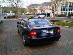 Clonskeagh, Co. Dublin - Ireland (Mic V.) Tags: county ireland dublin car sedan republic taxi rover 1999 voiture eire il 600 co series british saloon baile berline irlande 618 bhaile leinster clonskeagh 24104 cliath tha tacsai th 99d2846 618il