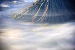 s Jan24 Bromo Volcano mist_1369 (Andrew JK Tan) Tags: indonesia volcano surabaya bromo tengger 2015
