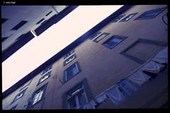 DSCF1870 (anto-logic) Tags: windows bucato finestre pannistesi clotheshanging