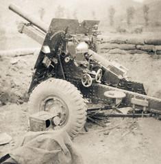The gun (Michael de Stacpoole) Tags: artillery koreanwar kforce newzealandhistory kayforce 163battery royalnewzealandartillery 16fieldregiment 163bty 16nzfdregt