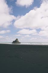 Karekare Black Sand Beach (DeepLovePhotography) Tags: newzealand karekarebeach deeplovephotography seanhelmn