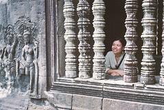 (dadou~) Tags: leica temple 50mm cambodge cambodia kodak dr angkorwat summicron 400 siemreap m6 angkorvat ultramax
