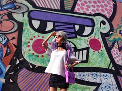Wow! It's Really Bright Here!! (cledyston2001) Tags: brasília graffiti cool trendy teenmodel lavenderhair integritytoys poppyparker