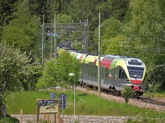ETR170 bei Welsberg (TrainspotterLitchi) Tags: sad gleise bb kurve monguelfo welsberg etr170 pustertalbahn