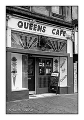 The Other Queen (jbhthescots) Tags: glasgow shawlands leicam3 vuescan sekonicl308s ilfordfp4200 plustek7600i hc110dilb12min 1450mmsummiluxpreasphv2