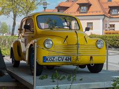 """Renault 4 CV - 160503 - (""""Besenbinder"""") Tags: voiture auto car coche automobile carro renault 4cv renault4cv oldtimer yellow gelb jaune amarillo amarelo geel giallo fahrzeug"""