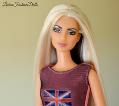 Shakira (Lisbon_Fashion_Dolls) Tags: barbie singer shakira mattel macrophoto barbiedoll barbiecollector barbiehair shakiradoll