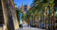 (165/16) Un paseo hasta la Catedral (Pablo Arias) Tags: pabloarias espaa spain hdr photomatix nx2 photoshop texturas arquitectura palmademallorca paseomartimo islasbaleares catedral