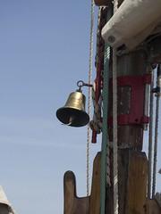 Schiffsglocke der Leaozinho (esseffdeearr) Tags: portugal algarve olhos dagua riu guarana praia da falesia albufeira portimao vacation